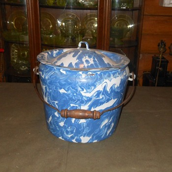 Large Graniteware Pail Possibly For Slop Circa 1900 - Kitchen