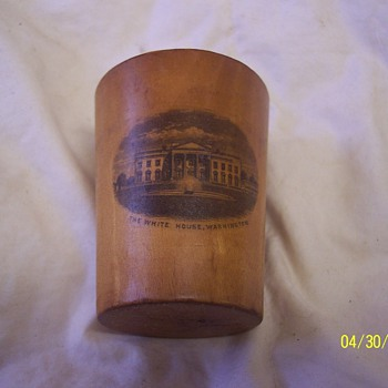 WOOD SHOT GLASS WITH PHOTO OF WHITEHOUSE PRE WEST OR EAST WINGS - Kitchen