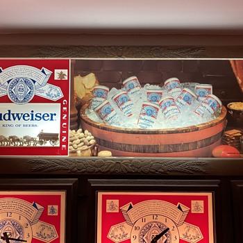 Budweiser lighted beer sign - Breweriana
