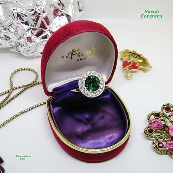 Sarah Coventry Ring - Irish Eyes - Costume Jewelry