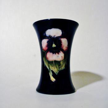 W. MOORCROFT - ENGLAND   - Pottery