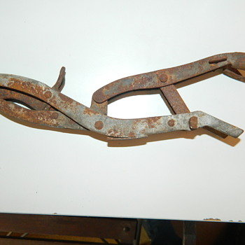 Unidentified hand tool - Tools and Hardware