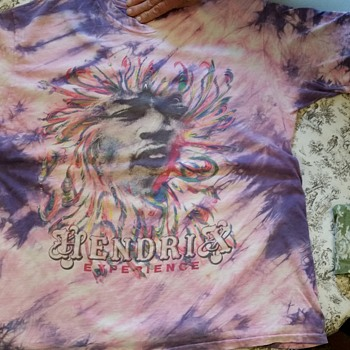 Jimi Hendrix t-shirt from 1960s?  help for info please