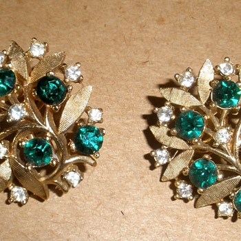 Pretty 'Gold' and 'Emerald' & 'Diamond' Leafy Trifari Earrings - Costume Jewelry