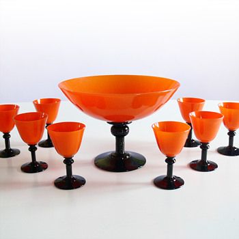 Tango punch-bowl or ice-cream bowl and eight matching glasses/cups - Art Glass