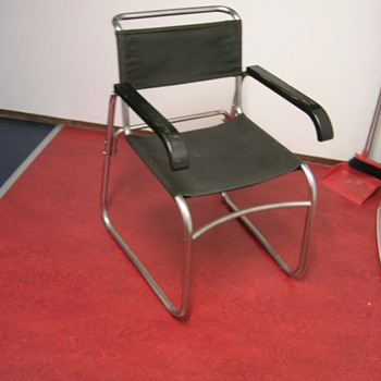 found chair - Furniture