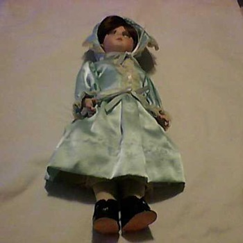 PRETTY PORCELAIN DOLL - Dolls