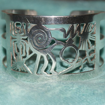950 Silver Cuff Depicting Nazca Lines from Peru - Fine Jewelry