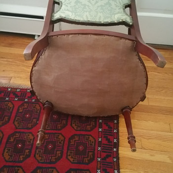 HELP....! What is this chair?