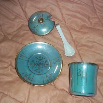 Green plate cup lid and ladle japan - China and Dinnerware
