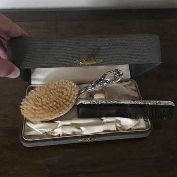 Vintage brush and comb - Accessories
