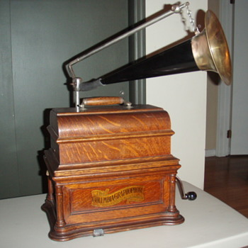Columbia Graphophone Cylinder Player - Electronics