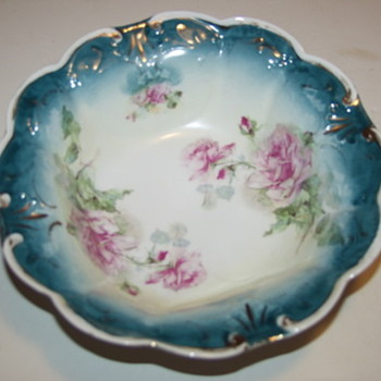 Limoge?Nippon? Porcelain Bowl Huge Pink Roses Scalloped Rim - Pottery