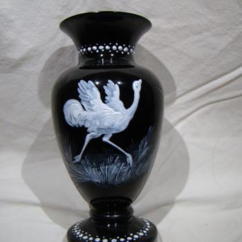 black urn decorated ostrich in white - Art Glass