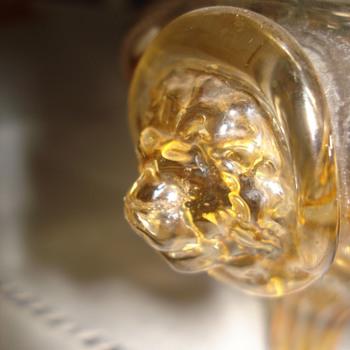 A Fritz Heckert Bowl with lion's head prunts - Art Glass