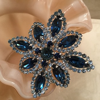 WEISS by D & E? - Costume Jewelry