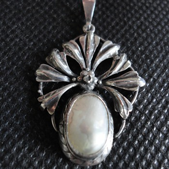 Arts & Crafts Mother of Pearl and Silver Pendant by Liberty & Co