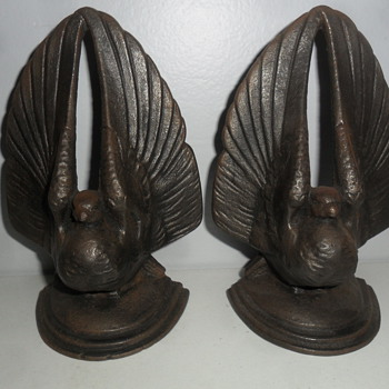 Cast iron pigeon book ends