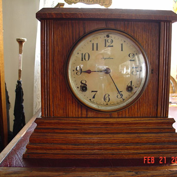 Antique Oak Ingraham Mantel Clock - Clocks
