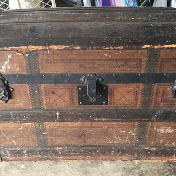 Antique rolling trunk from 1877 - Furniture