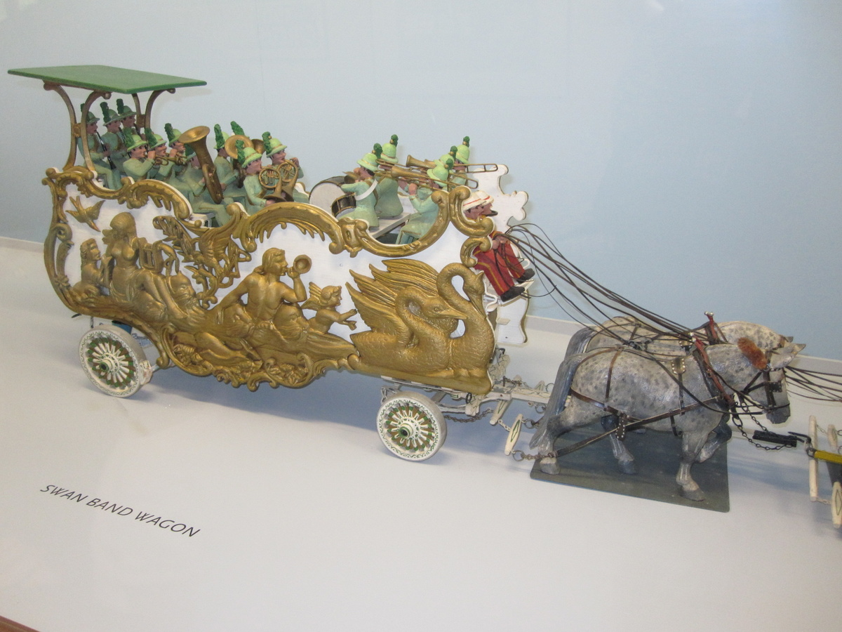 Roy Arnold S Miniature Circus Parade At The Shelburne Museum Part I Collectors Weekly