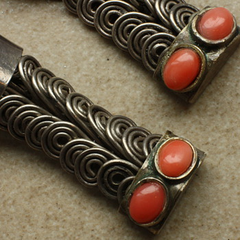 Art Deco solid silver earrings with coral - Fine Jewelry