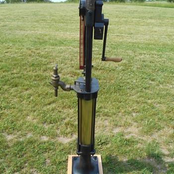 1900's Bowser Long Distance gas pump - Petroliana