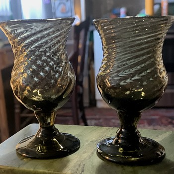 Two little Handblown Desert or Port Glasses - Art Glass