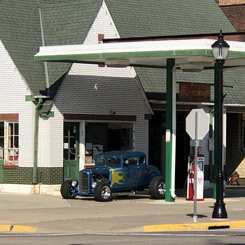 Model A Street Rod / Old Gas Station - Classic Cars