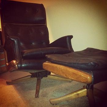 Berkline lounge chair and ottoman