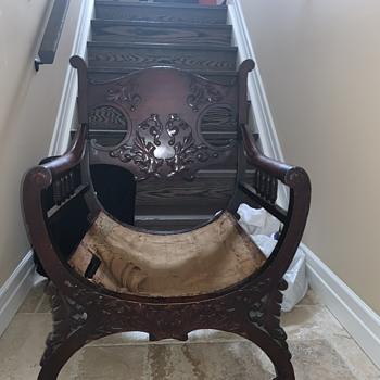 Unknown Savonarola style chair??? - Furniture