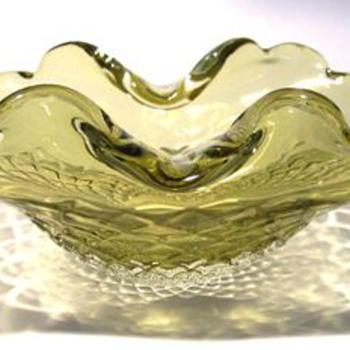 Art Glass Bowl ( Murano ??? ) - Art Glass