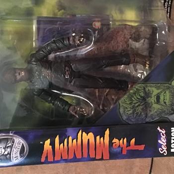 Diamond Select Toys Universal Monsters Wolfman (Version 2) - Toys