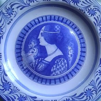 Italian ceramic portrait plates - Pottery