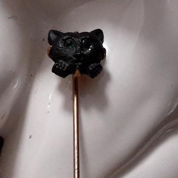 Cat stick pin  - Costume Jewelry