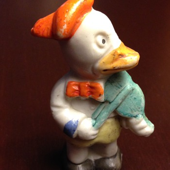 Ceramic duck (early Donald Duck?) - Figurines