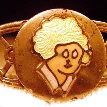 Need help with this Little Orphan Annie Bracelet