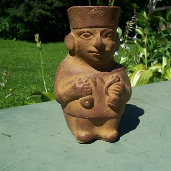 POTTERY TOURIST PIECE?-- NEED INFO! - Figurines