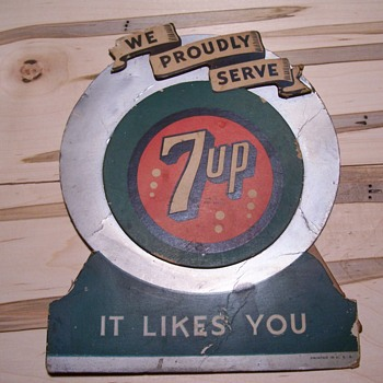 vintage 7UP  8 bubble cardboard counter top sign - Advertising