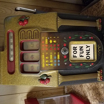 My Mills Black Cherry 10c Slot Machine - Coin Operated
