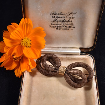 Victorian era Hair bow booch with intials - Fine Jewelry