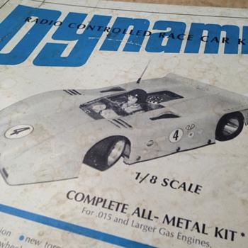 NIB Dynamic 1/8th scale - Model Cars