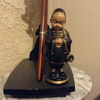 Asian figurine  - Figurines