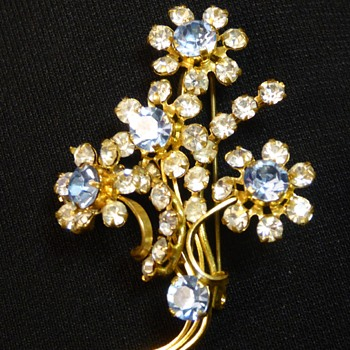Shiny Floral Spray Brooch - Costume Jewelry