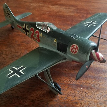Vintage WW2 built model - Focke wulf? - Military and Wartime