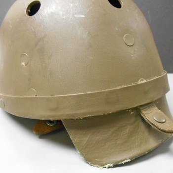 Any gearheads around?  WWII cycle helmet help needed. - Military and Wartime