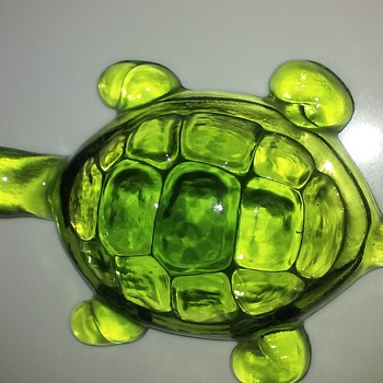 Glass turtle paperweight - Animals