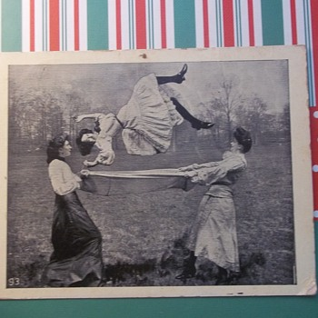 """I WAS UP IN THE AIR""  TRICK PHOTOGRAPHY? OR  HAVE THE GIRLIES THROWN HER FOR REAL, 1909 - Postcards"