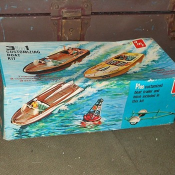 amt 3 in 1 Customizing Boat Kit - Toys