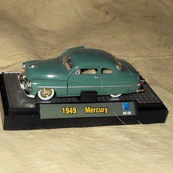 M2 Machines Auto Thentics 1949 Mercury Coupe 1:64 Scale - Model Cars